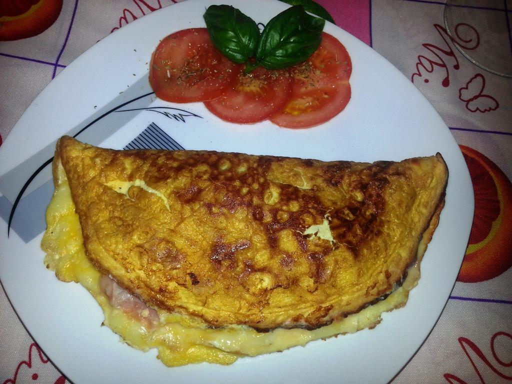 Omelette formaggio e prosciutto